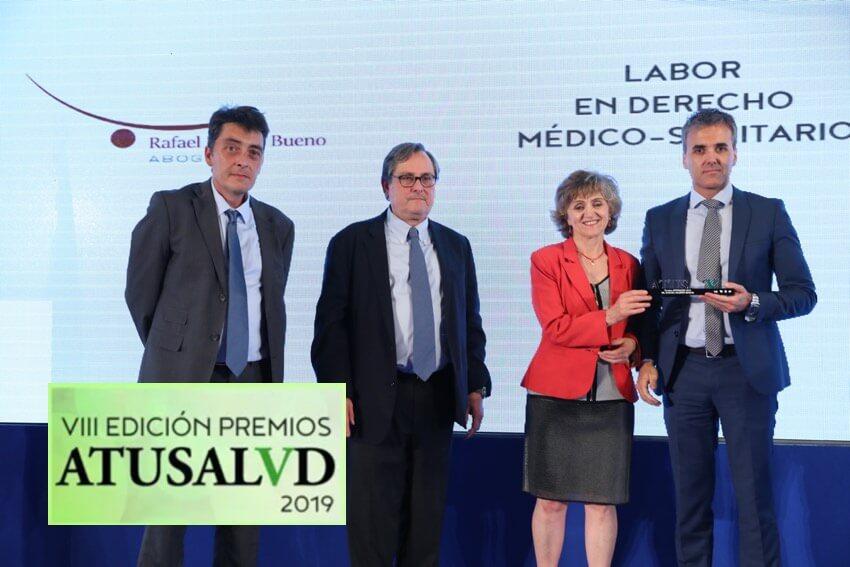 foto entrega de premios atusalud Rafael Martín